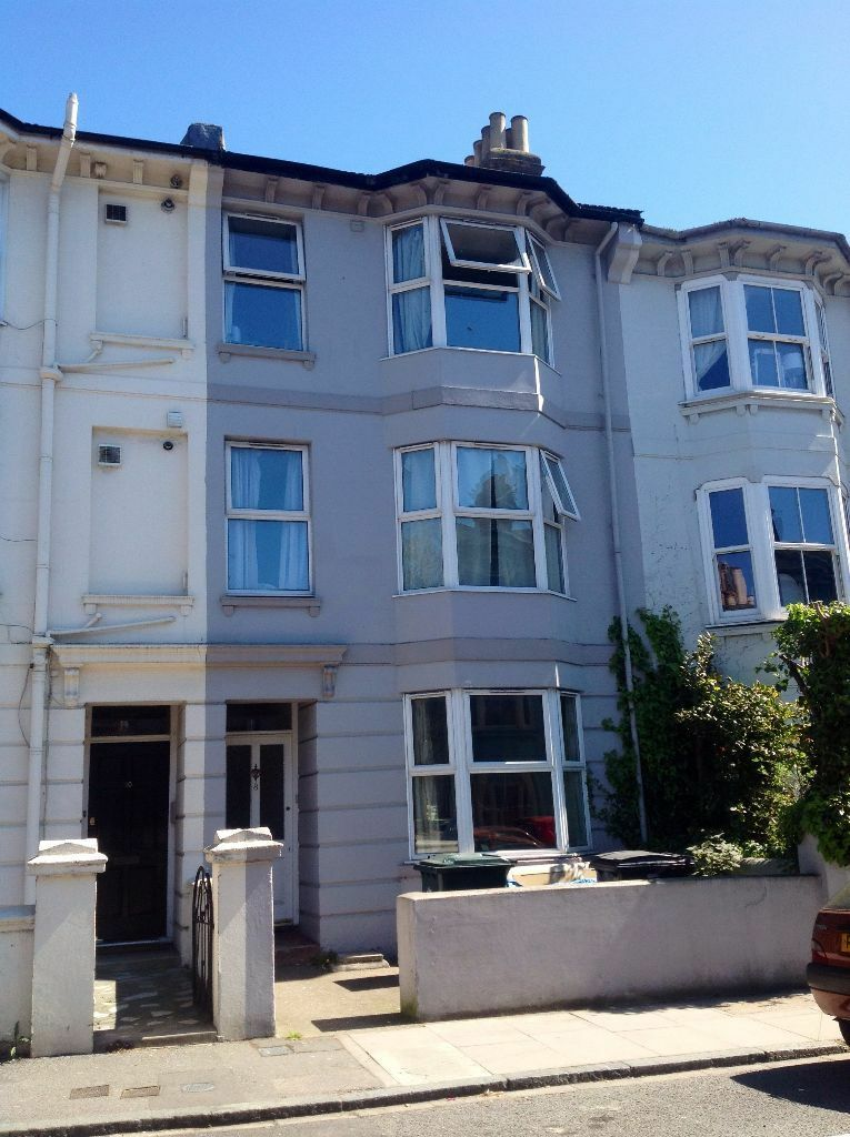 9 BEDROOM STUDENT HOUSE IN LONDON ROAD AREA, Beaconsfield Road (Ref: 228)