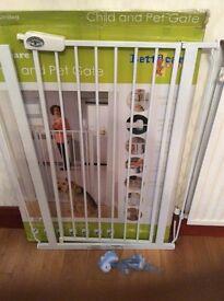 Child/pet safety gate