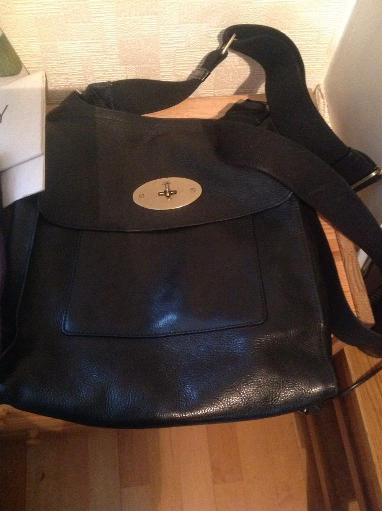68ba0a7f7b32 Mulberry Large Black Leather Antony Messenger Bag
