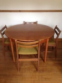 Dining table teak with 4 matching chairs