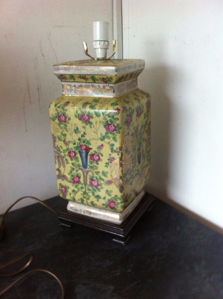 Beautiful Chinese style ceramic lamp base