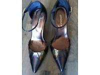 Size 3 Brown/Bronze High Heel Shoe
