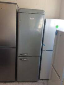 Swan retro SR11020GRN 70/30 fridge freezer grey new graded