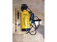 Kingfisher-8L-High-Pressure-Sprayer-Hand-Pump-40psi-Jet-Cleaner-Brush