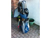 Full set of gents golf clubs and battery operated trolley