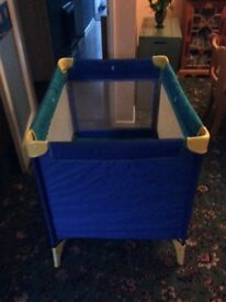 Little tikes travel cot, robust