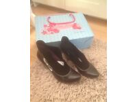 Poetic License Shoes size 5 black