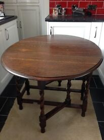 Antique Solid Oak Oval Top Gateleg Table