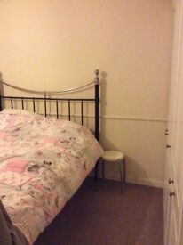 Lovely small double room to let - Stanmore - Bills included! £550pcm