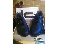 Tradesafe steel toe cap shoes