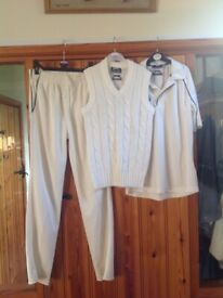 Boys complete Slazenger cricket outfit age 11-12 yrs