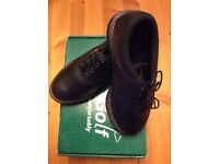 Junior Hi-Tec Golf Shoes,Size 3, NEW in BOX