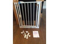 Safetots pressure fit white stair gate 75-82cm width