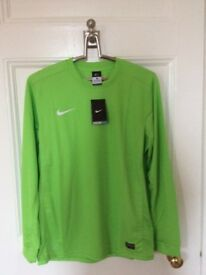 BRAND NEW Genuine Nike DriFit Sports Shirts (Large Size)