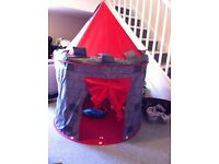 Pop up themed play tent
