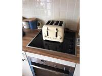 Dulait toaster four slice can do toasties in cream Finnish