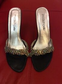 Moda in Pelle real leather shoes size 6. Encrusted with jewels.