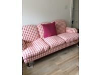 3-SEATER SOFA IN GOOD CONDITION FOR SALE