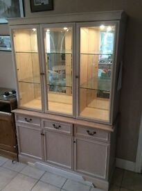 KITCHEN /DINING ROOM GLASS FRONTED STORAGE UNIT