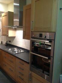Kitchen units and kitchen appliance