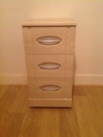 For sale bedside cabinet in excellent condition