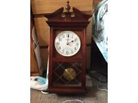 Chiming pendulum clock