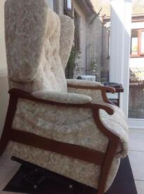 Recliner chair and matching 3 seat settee.