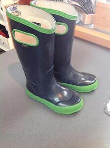 Kids Bogs Rubber Boots - size 12 - black/green (sku: 1KPDTV)