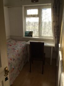 house share single room available in Kidbrook 20min to North Greenwich Station