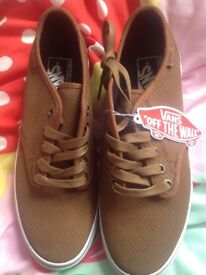 NEW Vans Camden Deluxe Skate Shoes Ladies BROWN Exotic size 6.5 plus bag