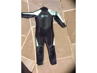 Kids/junior Osprey wetsuit extra small approx length 100cm