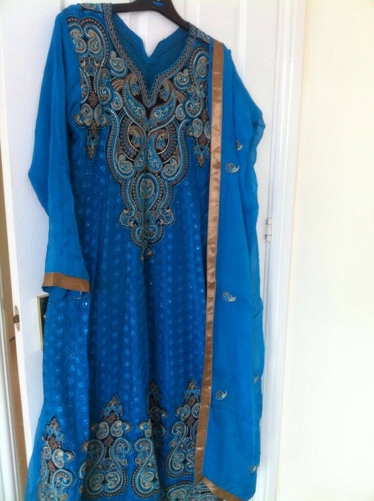 Blue dress with beautiful thread embroidery