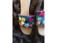 Pretty floral fabric slides size 40