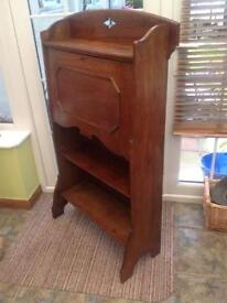 Small Victorian medium oak desk