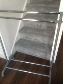 Clothes rails x 7