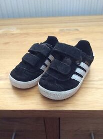 Adidas Black/White Toddler Trainers
