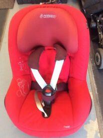 Maxi Cosi Family Isofix Car Seat Base with Maxi Cosi Pearl Car Seat