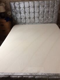Kingsize memory foam mattress. Firm. 7inch thick. Exc condition.