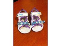 Clarks Girls Doodles Sandals Size 5