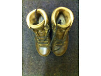 LADIES SIZE 6 LEATHER WALKING BOOTS