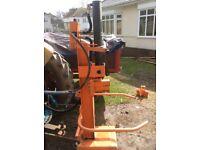 Venom 14 ton tractor mounted log splitter