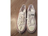 White canvas shoes size 6.5