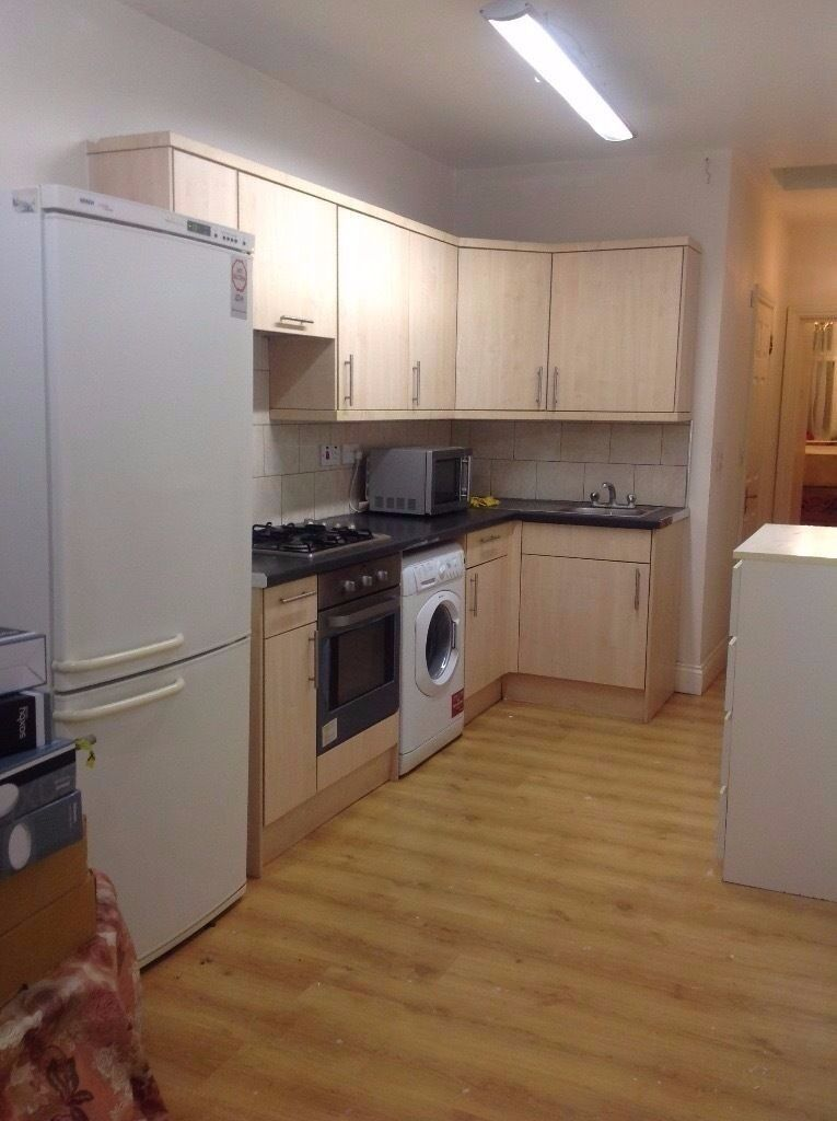 AN IMMACULATE ONE BEDROOM APARTMENT LOCATED CLOSE TO AMENITIES AND KENTON STATION-INCLUDES BILLS
