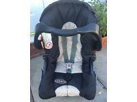 GRACO CAR SEAT FROM BIRTH WITH HOOD