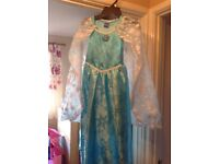 Disney Elsa Frozen Dress age 5-6 years with cape