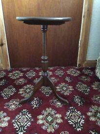 Small circular pedestal occasional table