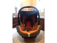 Maxi cosi cabrio fix baby car seat
