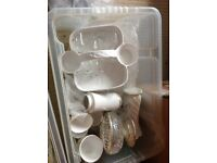 2 boxes of assorted cups,saucers,mugs etc