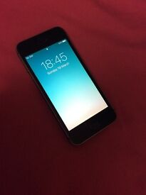 Iphone 5 s immaculate condition