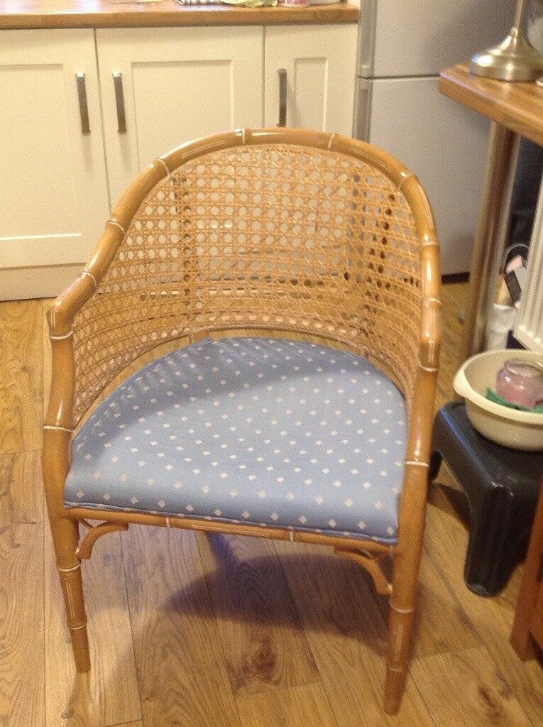 2 wicker tub style chairs